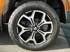 Duster 2 Reifen.jpg